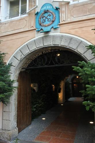Eingang_zum_St._Peter_Stiftskeller