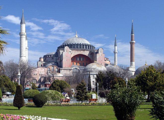 1024px-Hagia_Sofia,_Istanbul
