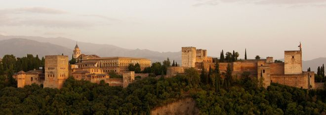 Alhambra_in_the_evening.jpg